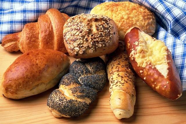 Leckere Brötchen in verschiedenen Sorten bei Bäcker Blochberger.