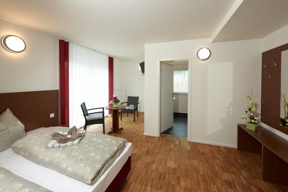 pension zum bergmann c o strike in gmbh in b hlen. Black Bedroom Furniture Sets. Home Design Ideas
