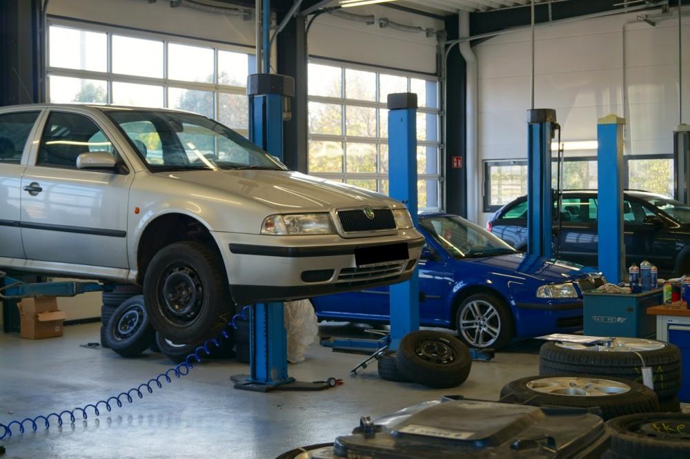 Autohaus m ckel gmbh in rochlitz verkauf und reparatur for Bewertung autohaus