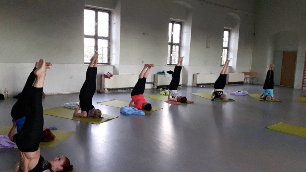 Yoga-Gruppe bei Kathrin's fitness
